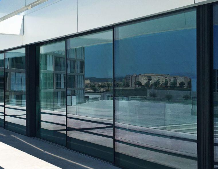 HYLINE - The windows brand of a maximum free space