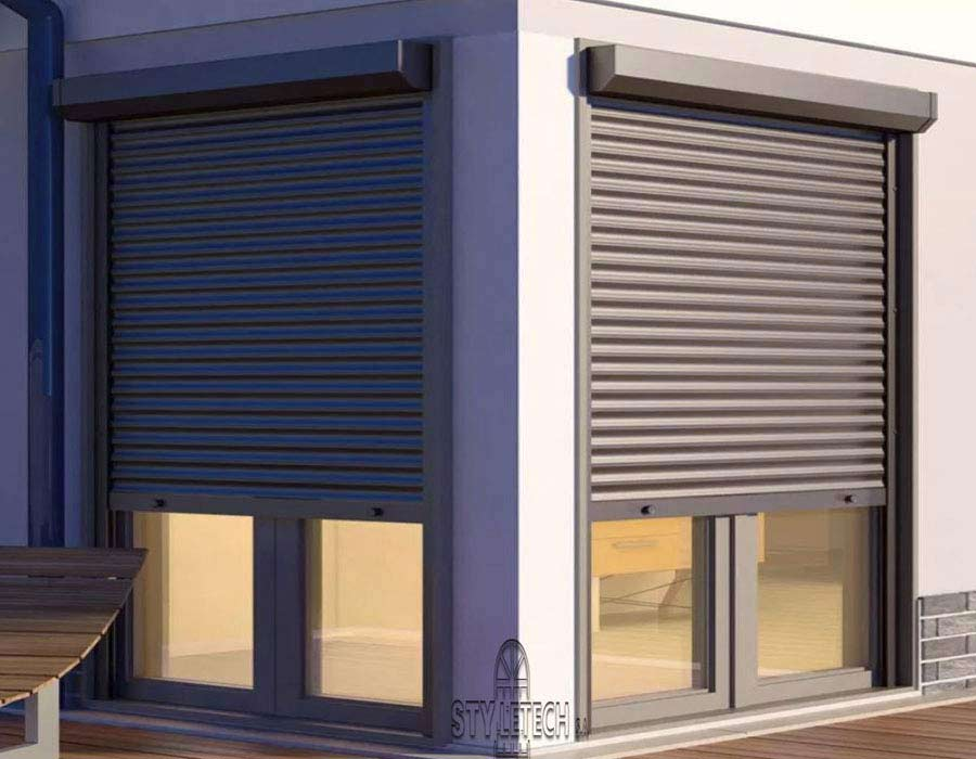Heavy-duty aluminum and synthetic motor roller blinds